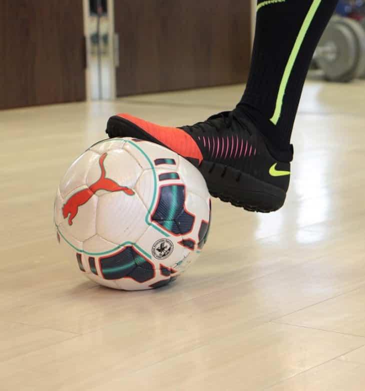 Merk Sepatu Futsal Olahrga