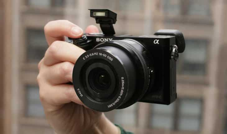 Merk-Kamera-Mirrorless-Terbaik