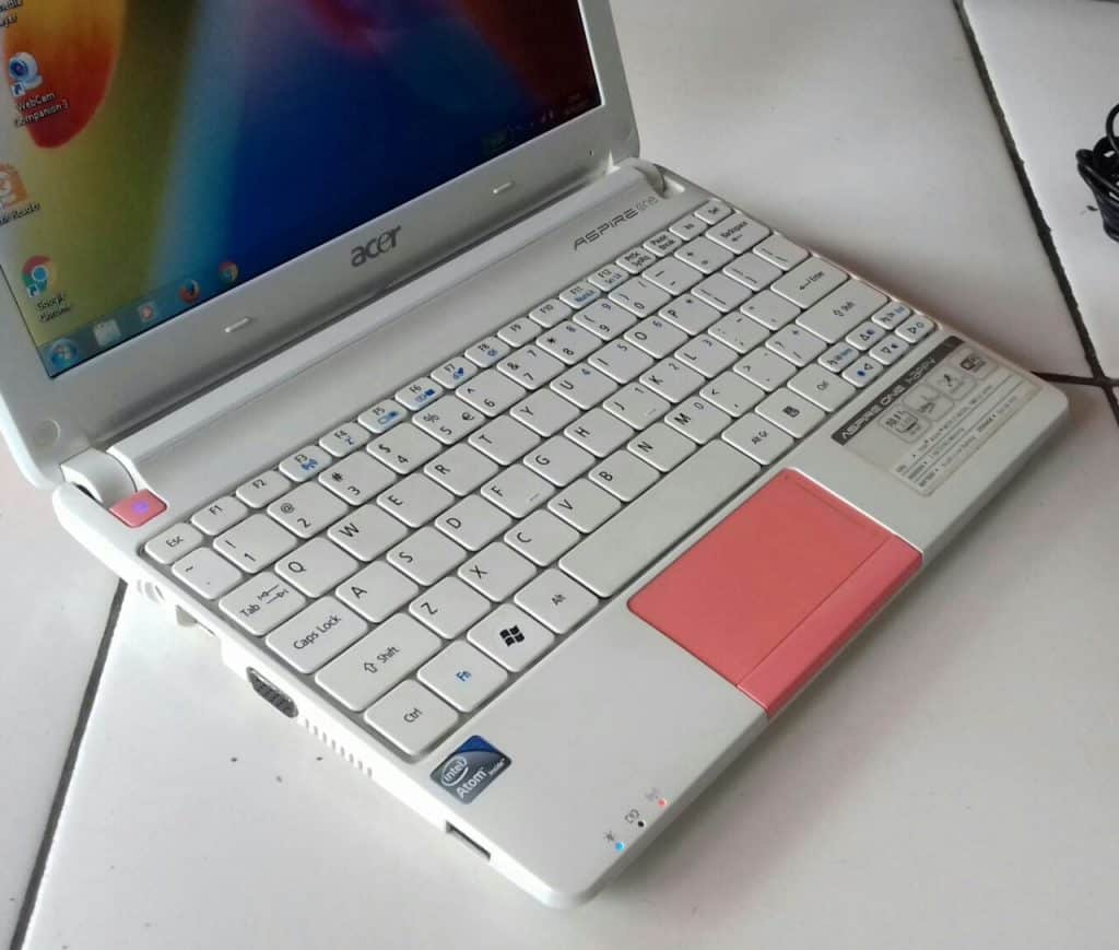Laptop-Dibawah-2-Jutaan-Acer-Aspire-One-N57C