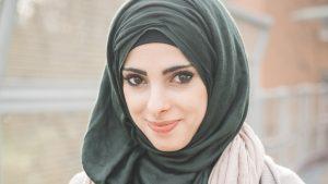 Merek-Jilbab-Terkenal-yang-Bagus-dan-Berkualitas-Banyak-Diminati